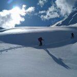 le soleil, le ciel et la neigee